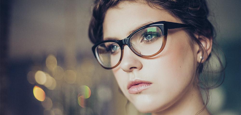 maquillaje gafas